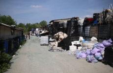 Zdjęcie przedstawia składowisko odpadów w Brużyczce Małej